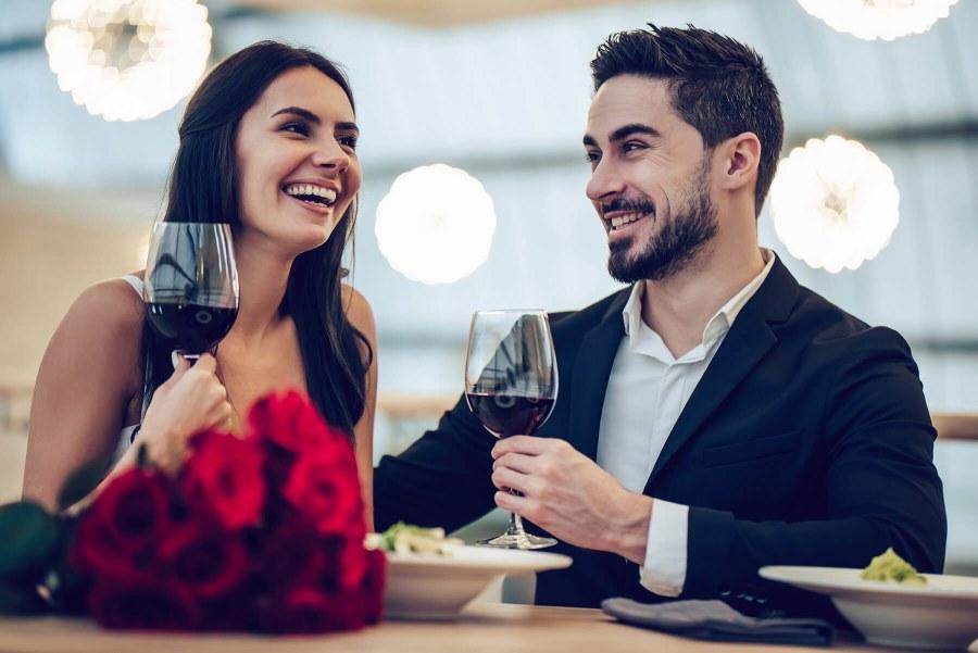cómo conseguir novia primera cita